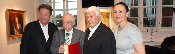 Conferral of honorary membership at Ferdy Houben