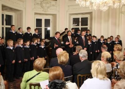 Knaben des Bruckner u.Haydnchors -Kapellmeister  KeremSezen u. Johannes Kobald